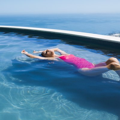 What Are Some Home Remedies for Phosphate Removal From Swimming Pools?