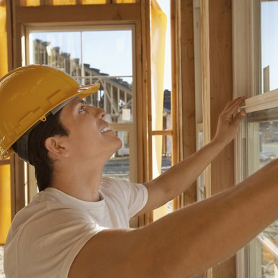 What Is the Difference Between Level & Plumb?