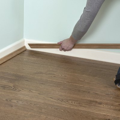 How to Calculate Total Square Feet  and Order Laminate Flooring