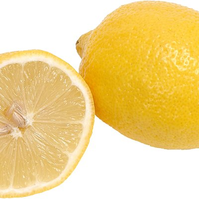 How to Boil Lemons to Get Rid of Smells