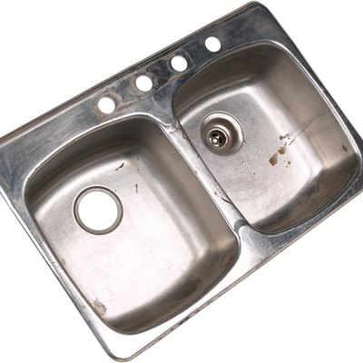 How to Refurbish a Stainless Steel Sink