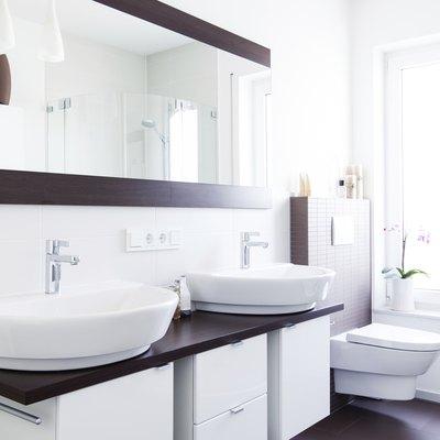 Lichtdurchflutetes design Badezimmer