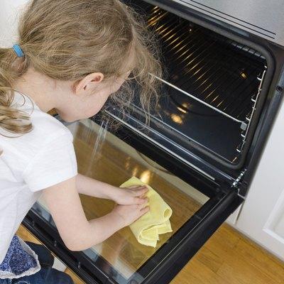 How to Get Easy-Off Oven Cleaner Off of a Linoleum Floor
