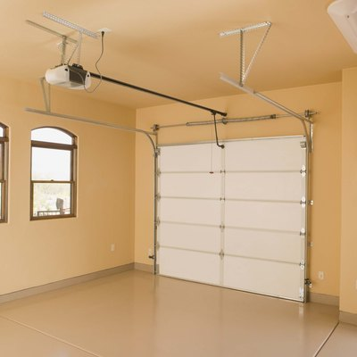 How to Temporarily Convert a Garage to a Guest Bedroom