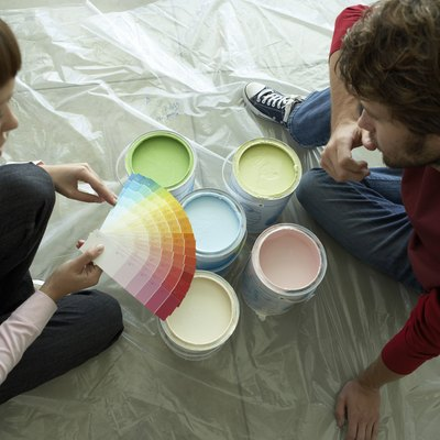 How to Make a Good Latex Glaze With Latex Paint