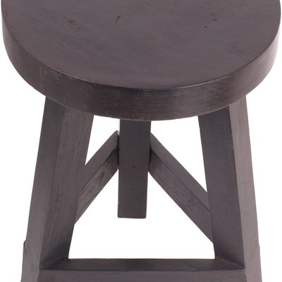 How to Make Round Cushions for a Wooden Bar Stool With Staple Gun