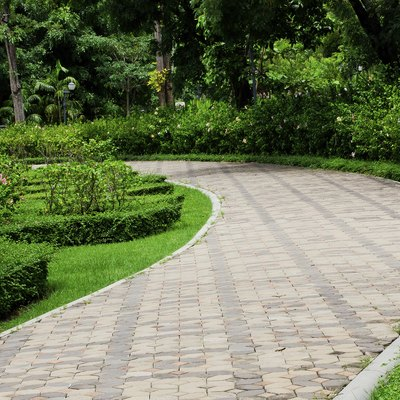 Pros & Cons of Sealing Paving Stones