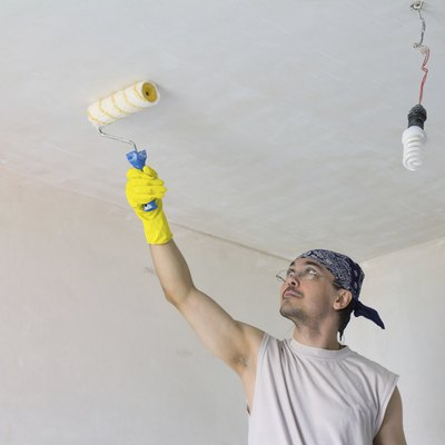What Kind of Paint Covers Nicotine-Stained Ceilings?