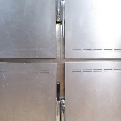 What Lights Can I Use in a Walk-In Freezer?