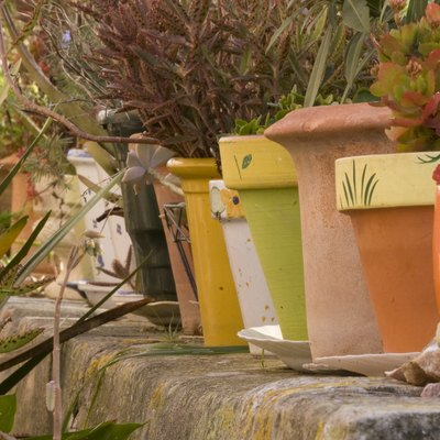 How to Make Garden Decor With Terra Cotta Pots