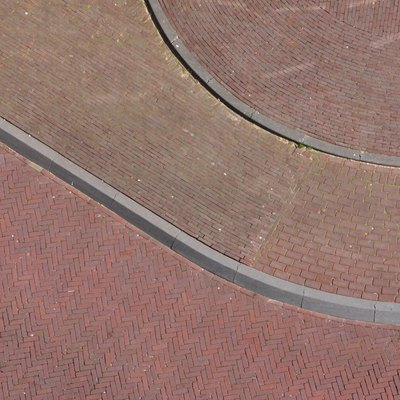 How to Make Curved Concrete Curbs