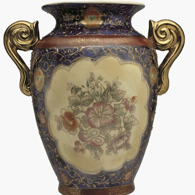 How to Find the Value of an Antique Vase