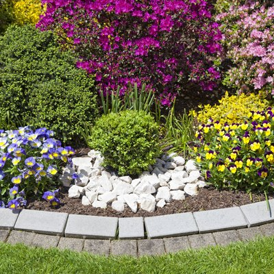 When to Apply Super Phosphate to a Garden