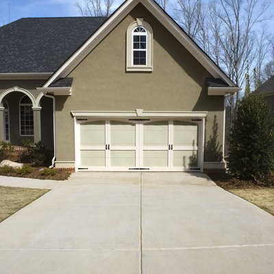 What Solution Is Used to Whiten Driveways?