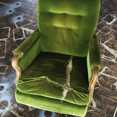 How to Get Grease Out of Velvet Fabric on Chairs