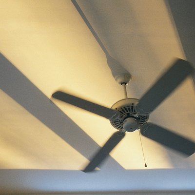 How to Change the Light Bulb on the Minka Aire Concept II Ceiling Fan
