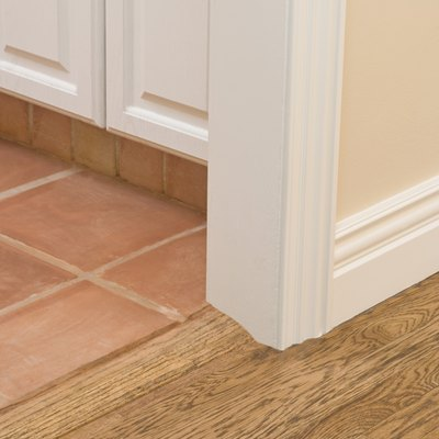 How Much Space Do You Leave for a Laminate Flooring Transition Molding?