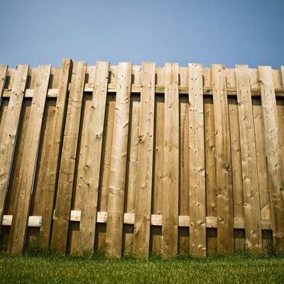 How to Remove Wood Fence Panels