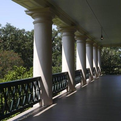 Pillars of Oak Alley plantation