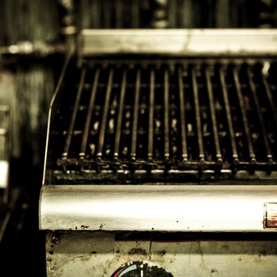 What Is the Difference Between a Char Broiler & a Grill?