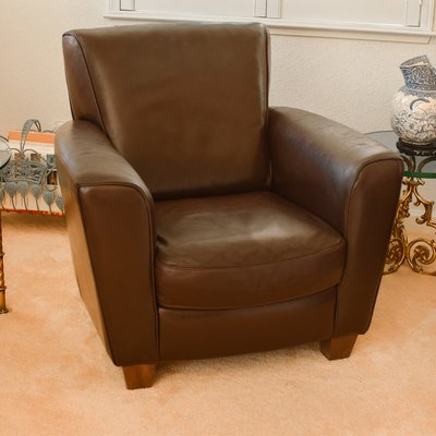 How to Take Dents or Creases Out of Leather Furniture