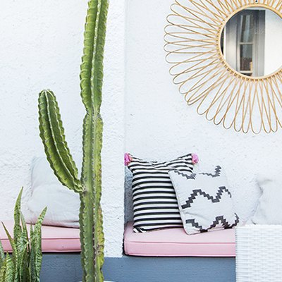 A Millennial Pink Patio Is a Surefire Way to Become a Popular Host This Summer
