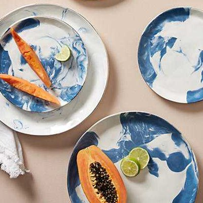 10 Modern Dinnerware Sets to Put on Your Registry