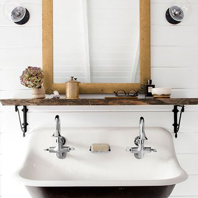 8 Storage Ideas for Bathrooms With Floating Sinks