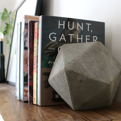 DIY Geometric Concrete Bookends Tutorial
