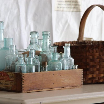 10 Trendy Vintage Items to Score at Flea Markets This Summer