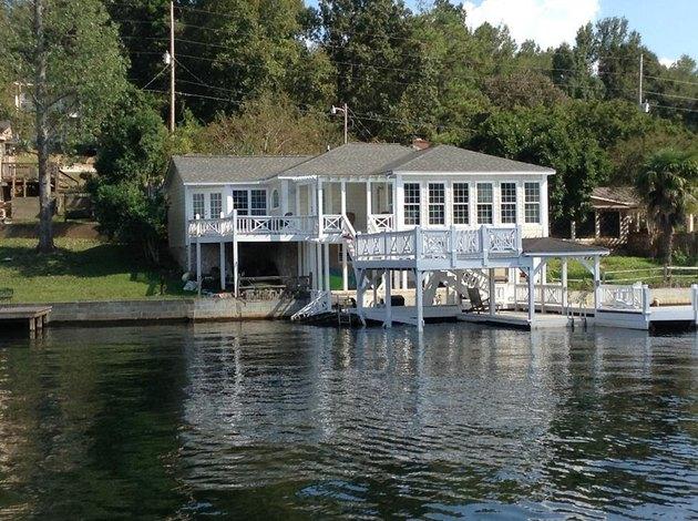 Salem, Alabama home on Lake Harding