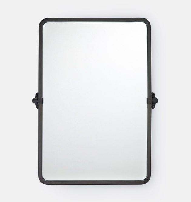 Black-lined rectangular mirror with rounded edges