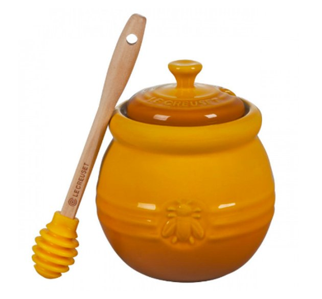 Le Creuset hone pot with silicone dipper in Nectar