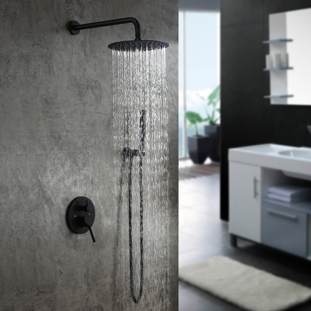 Wall-Mounted rain showerhead