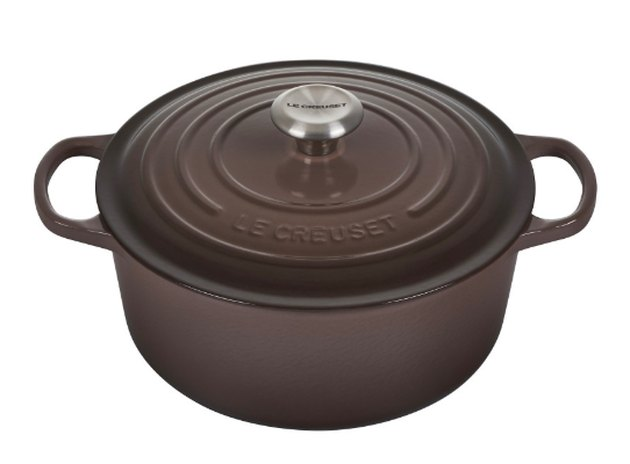 brown round dutch oven