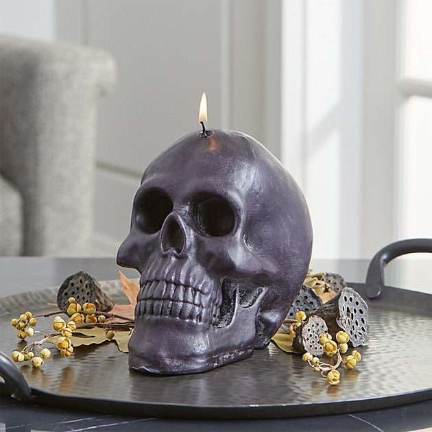 skull shaped candle