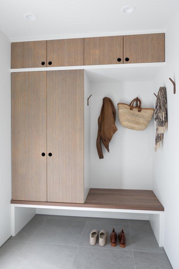 minimal Mud Room