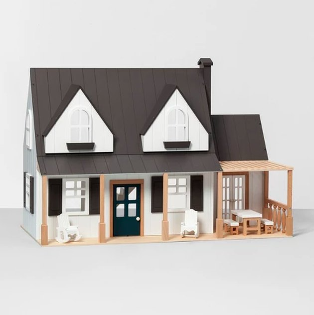 toy farmhouse