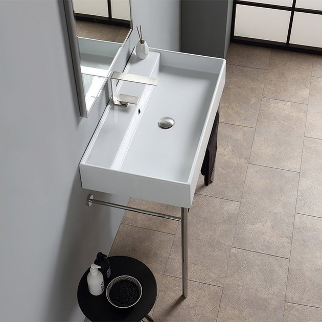 console bathroom sink