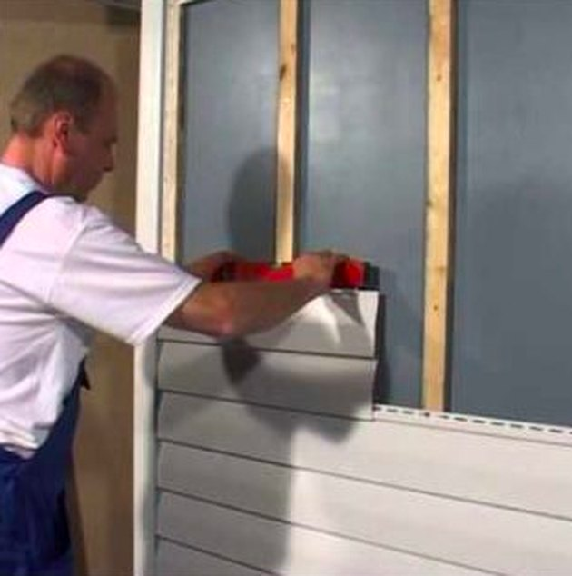 Cut Vinyl Siding Without Cracking Hunker