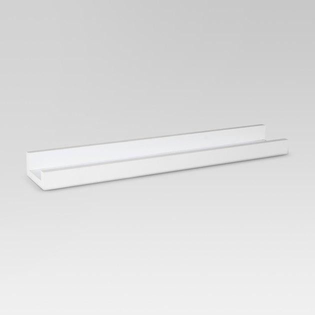 White mountable picture ledge