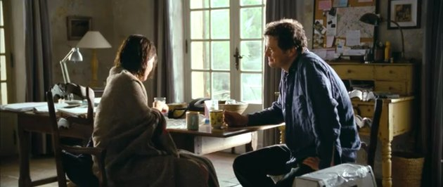 jamie and aurelia drinking tea, still frame from love actually