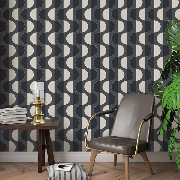 Midcentury modern wallpaper with curved shapes in sitting room