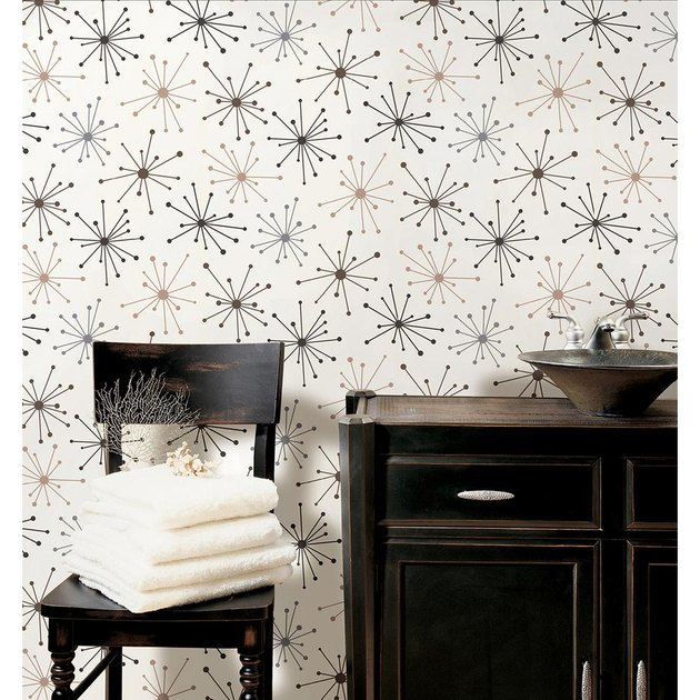 Starburst midcentury modern wallpaper in bathroom