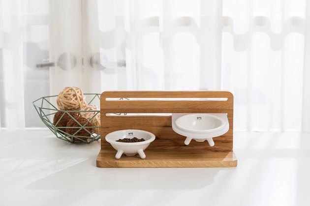 cat dining station with bowls