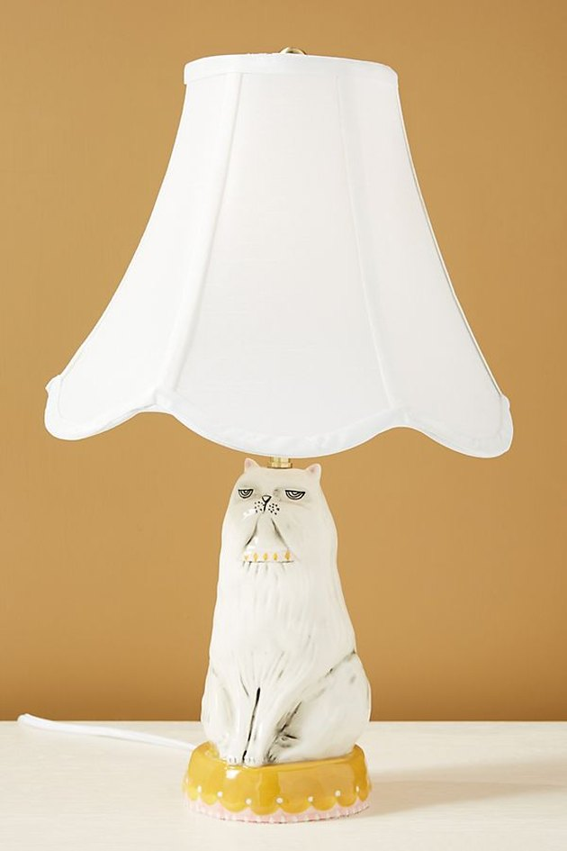 lamp with cat-shaped base