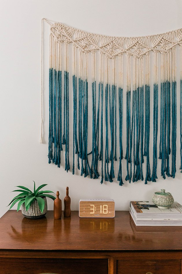 Rinse the dyed macrame until the water runs clear.