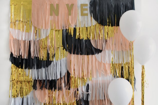 DIY NYE Photobooth Backdrop