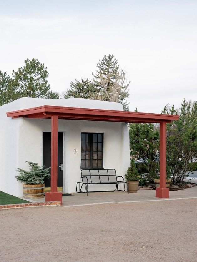 el rey court hotel  exterior