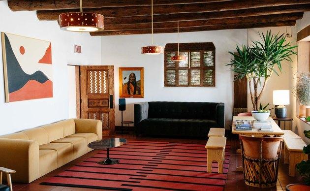 el rey court hotel lobby